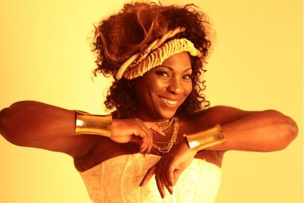 Arquivo Pessoal/ Dhi Ribeiro (A cantora Dhi Ribeiro é uma das atrações do final de semana)