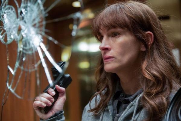 Julia Roberts se destaca no elenco como mãe que perdeu o filho (Reprodução/Internet)
