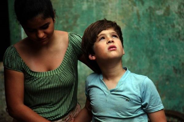 Cena do filme Meu pé de Laranja Lima, inspirado no livro homônimo de José Mauro Vasconcellos (Camila Botelho/Divulgação)