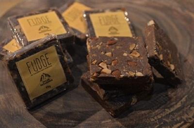 Fudge de chocolate com caramelo e amêndoas de Mirella Montella, proprietária do Dulce Patagonia (Marcelo Ferreira/CB/D.A Press)