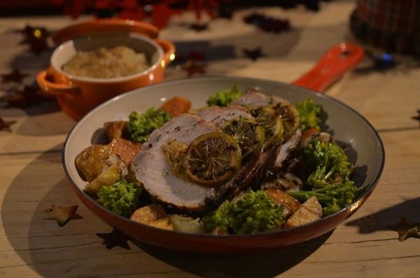 Lombo suíno recheado acompanhado de legumes salteados com alecrim e purê de maçã: criação do chef Paulo Tarso para o Natal, que  também pode ser servido no ano-novo (Marcelo Ferreira/CB/D.A Press)