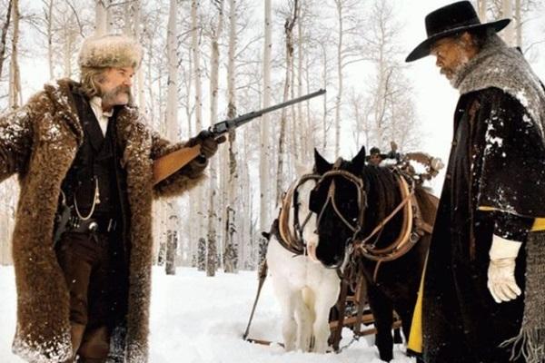 Perfomance do elenco e trilha sonora original chamam a atenção em Os oito odiados (Diamond Films/Reprodução. Cena do filme Os oito odiados, de Quentin Tarantino)