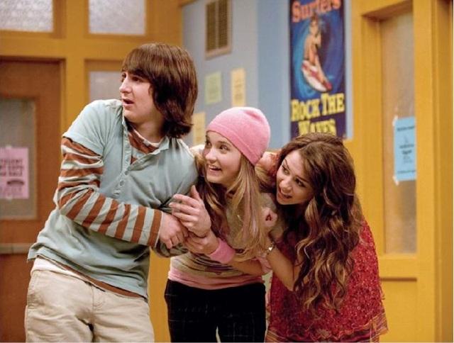 A série infantil Hannah Montana ficou no ar 4 anos e foi sucesso de audiência entre os jovens (Rex Montana Cyrus/Divulgacao)