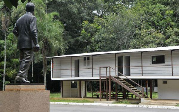 Feito em madeira, o Catetinho foi a primeira residência oficial de Brasília ( Antonio Cunha/CB/D.A Press)