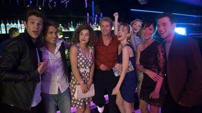 Em formato de documentário, os bastidores da série Beverly Hills 90210 é contado em trama do Lifetime