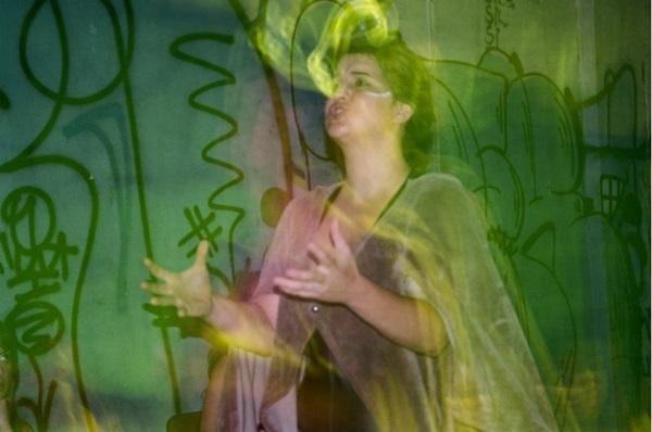 A peça é uma releitura da obra Noite na Taverna, de Álvares de Azevedo, do Grupo Liquidificador e dirigida por Fernando Carvalho (Rafael Godoy/Divulgação)
