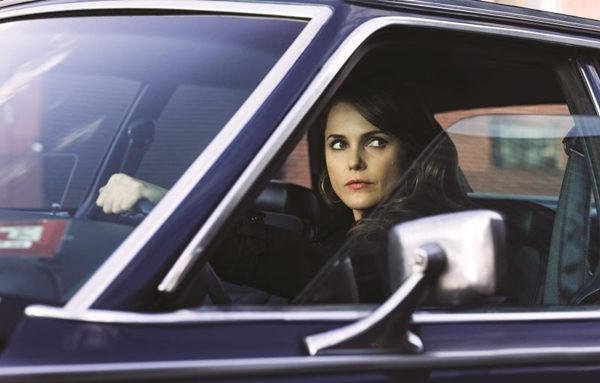 Keri Russell vive Elizabeth Jennings, espiã russa infiltrada (FX Divulgação)