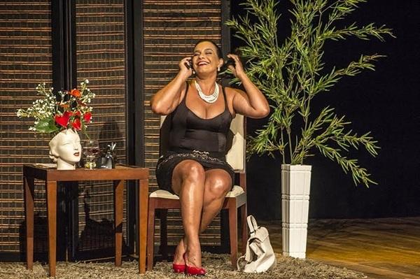 A peça marca o retorno da atriz aos palcos depois de oito anos (La Press Comunicação/Divulgação)