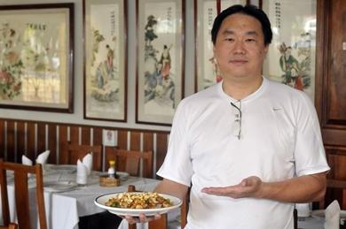 Jânio aprendeu a arte da gastronomia oriental com o pai