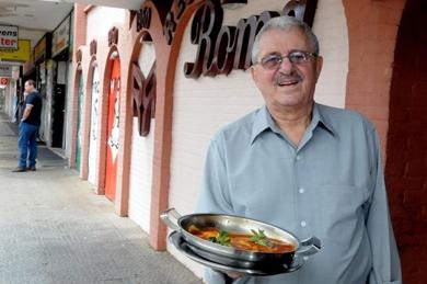 Simon Pitel e à parmegiana: sugestão do chef Otávio Silva desde 1967