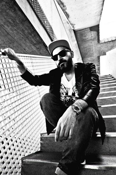 DJ Sharam Jey é responsável pelos hits '4 da lovers' e 'Fancy footwork' (Puria Safary/Divulgação)