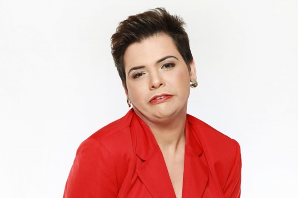 Mendes garante não expressar opinião política em cena  (Band/Divulgação)