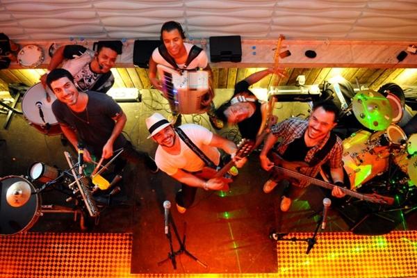 Banda Balalaica é uma das atrações da festa (Monique Renne/CB/D.A Press)