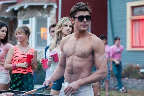 Zac Efron é responsável por tirar o ar das adolescentes no filme Vizinhos 2 (Reprodução/Internet)