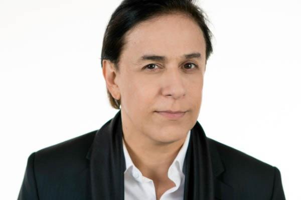 Tom Cavalcante vai abordar temas como política pelo viés da comédia (Imprensa Risoflex Brasília/Divulgação)