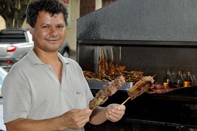 No Bar do Antenor, o churrasquinho de contra-filé é o favorito dos clientes (Antonio Cunha/CB/D.A Press)