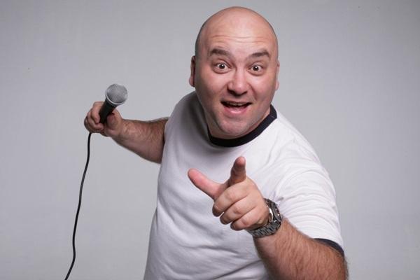 Marco Zenni: durante o espetáculo, os casais se identificam com as piadas  (Casa de Artista/Divulgação)