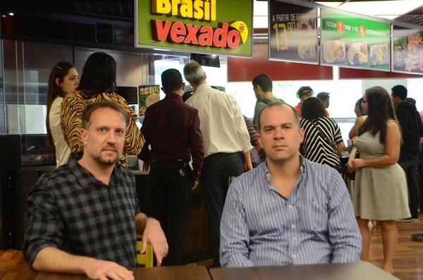 Teixeira e Estéfano Flenik: delivery se transformou em franquia com sotaque nordestino (Jhonatan Vieira/Esp. CB/D.A Press)