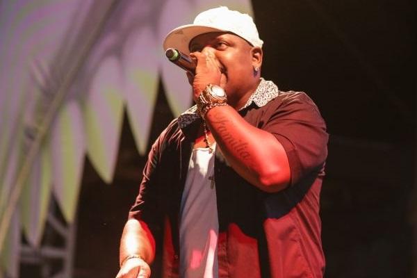 MC Marcinho canta sucessos como 'Princesa' (Paulo Caveira/Divulgação)