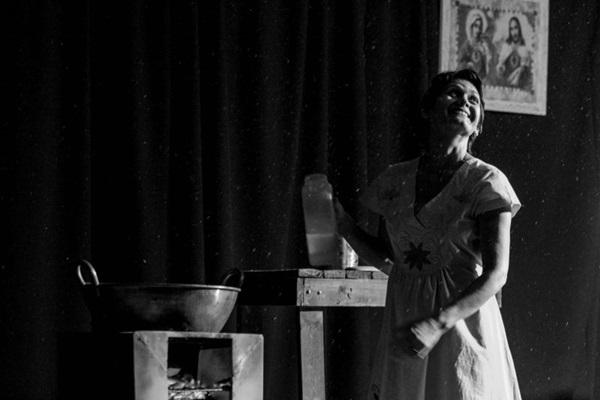 Lilia Diniz pensa Cora Coralina como %u201Crapadura: doce para as necessidades do espírito e dura com o que precisa ser denunciado%u201D (Joelma Bomfim/Divulgação)