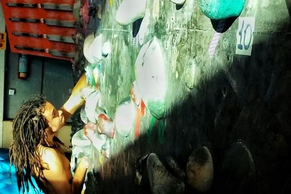 Lucas Gonçalves: na escalada 'você compete contra si mesmo, surpreendendo-se quando faz um movimento' (Arquivo Pessoal/Divulgação)