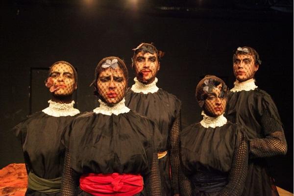 Elenco tem o desafio de interpretar personagens com gêneros trocados  (Adla Marques/Divulgação)
