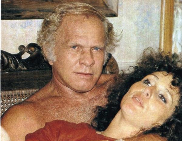 Jardel Filho e Irene Ravache, em 'Sol de verão' (Reprodução/Internet)