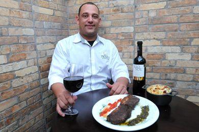 A carne vermelha com o vinho tinto é uma combinação clássica  (Carlos Moura/CB/D.A Press)