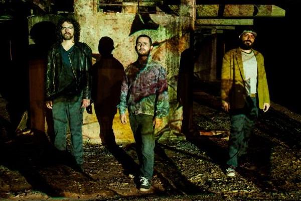 Passo Largo apresentará o disco Férias em Nibiru ao público da Apcef (Andrea Possamai/Divulgação)