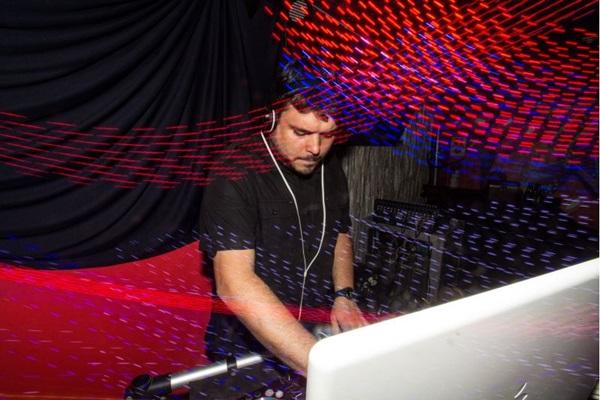 DJ Maraskin será o anfitrião da pista de dança (Pedro Camargo/Divulgação)