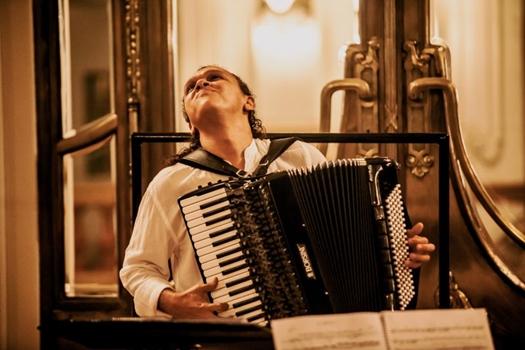 Lulinha Alencar homenageia mestres do acordeão  (Luiz Casemiro/Divulga?ao)