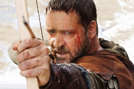 Russell Crowe dá vida ao famoso arqueiro em filme de 2010 ( Credito: Kerry Brown/ Universal Channel)