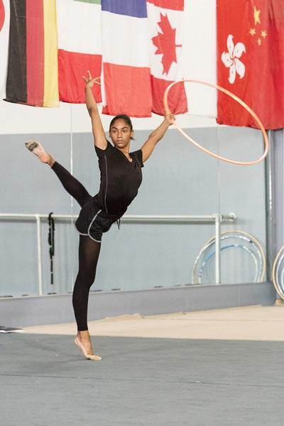 Nastasya será a primeira ginasta rítmica negra em uma Olimpíada (Canal Lifetime/Divulgação)