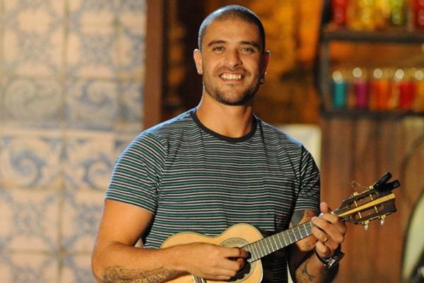 O artista cantará Alma boêmia, Clareou e outros sucessos da turnê Porta-voz da alegria  (TV Brasil/Divulgação)