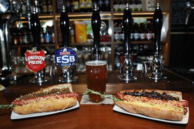 O choripan do London Street Club Cervejaria tem sabores fortes que pedem por uma bebida mais encorpada (Carlos Moura/CB/D.A. Press)