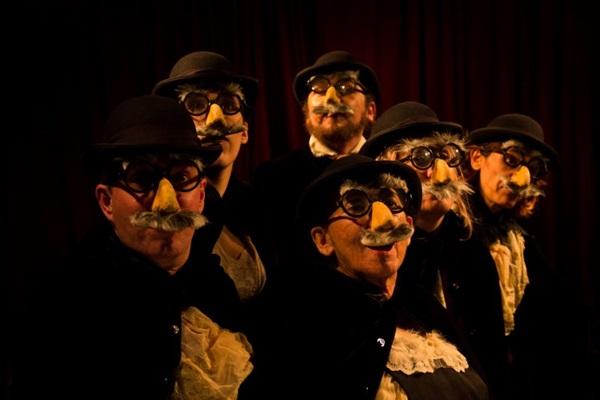 A peça traz os ideais machadianos para os dias de hoje (Arthur Chagas/Divulgação)