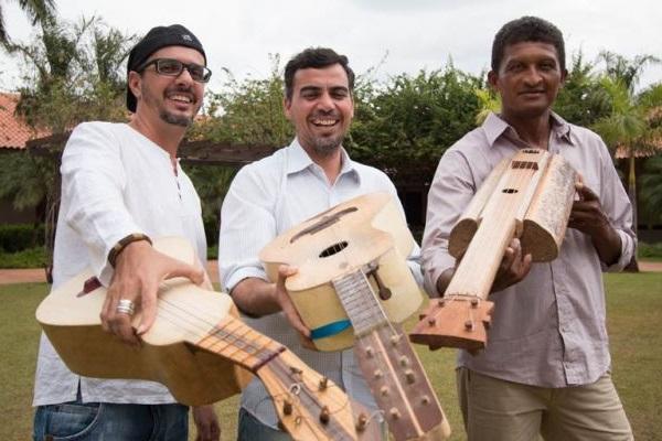 Trio de violeiros abre o projeto com o show Violas singulares (FRANK BUSATTO/Divulgação)