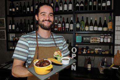 Banha de porco preserva o sabor da carne de lata no restaurante IVV (Carlos Moura/CB/D.A Press - 28/7/16)