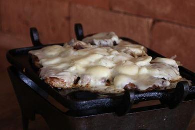 No Santana, a picanha chega na chapa coberta por queijo muçarela (Rodrigo Nunes/Esp. CB/D.A Press )
