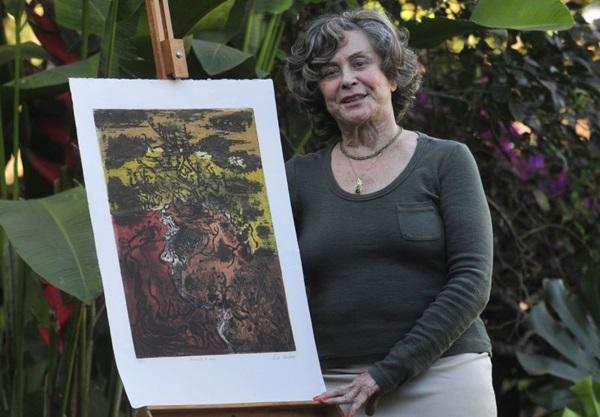 Leda Watson: 'Tento desmistificar a obra de arte em papel, sem moldura, sem galeria, sem intermediários' (Ed Alves/CB/D.A Press)