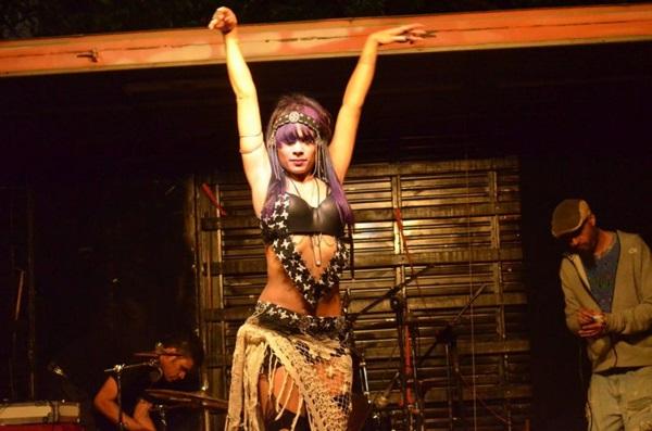 Shabanna Dark ressalta o ideal de contracultural por trás da dança  (Joaquim Dantas/Divulgação)