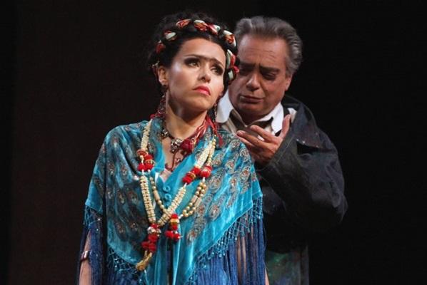 Espetáculo 'Frida y Diego' traz a história em torno da vida amorosa da artista mexicana (Deca Produções/Divulgação)