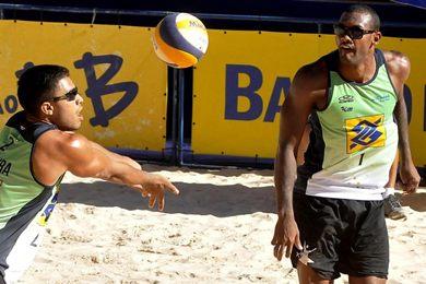 O vôlei de praia é dos esportes que terão partidas hoje (Antonio Cunha/CB/D.A Press)