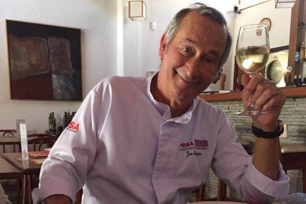 O chef tem como identidade a união de elementos da alta gastronomia a ingredientes locais  (Montserrat/divulgação)