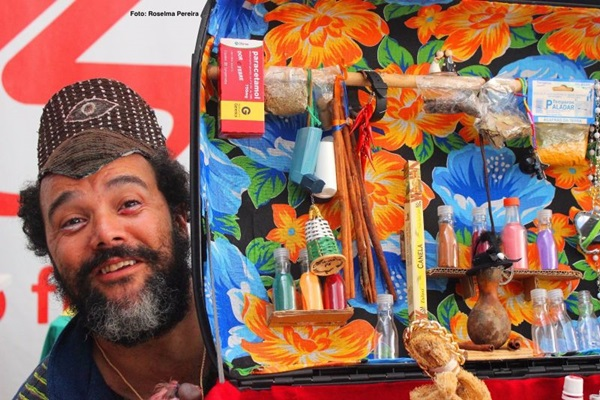 Wellington Abreu se baseou em Dario Fo para contar a história de uma onça- pintada (Roselma Pereira/Divulgação)