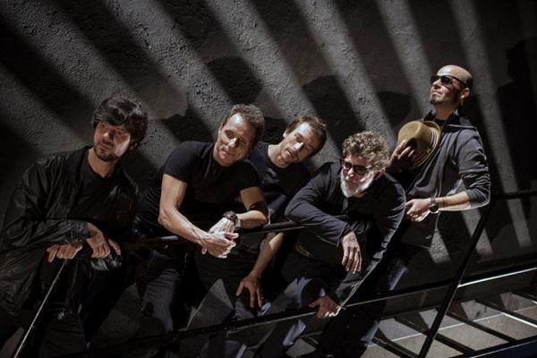 Chegada de dois integrantes trouxe mais punch ao rock dos Titãs  (Silmara Ciuffa/Divulgação)