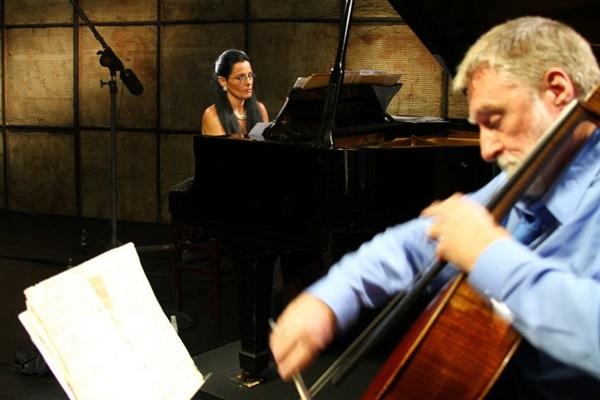 O violoncelista britânico David Chew está entre os participantes do evento.   (TV Brasil/Divulgação)