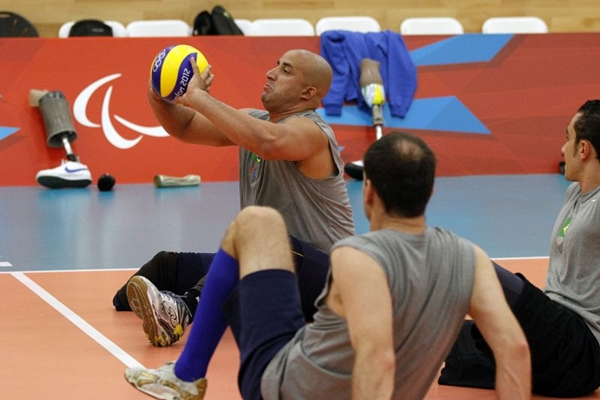 Voleibol sentado é uma das modalidades desse domingo: ao vivo na TV Brasil (Luciana Vermell/CPB/Divulgação)