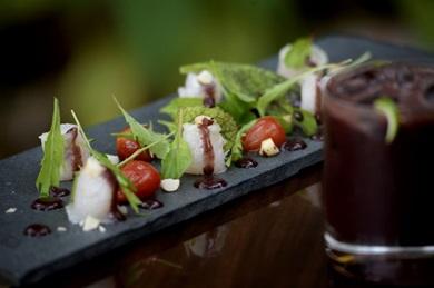 Técnicas dinamarquesas e francesas conferem ares de novidade à salada de pirarucu defumado do Jambu  (Carlos Vieira/CB/D.A Press )