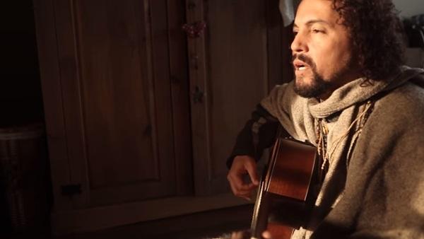 O cantor paulista apresenta canções de seu mais recente CD (Reprodução da Internet)